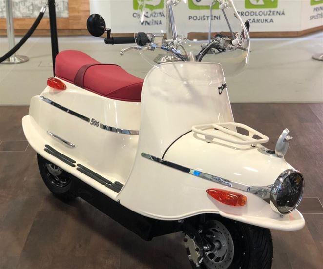 Alza ponúka elektrickú verziu legendárnej motorky Čezeta