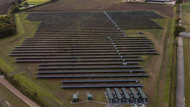 V Británii spustili prvú solárnu elektráreň bez dotácií