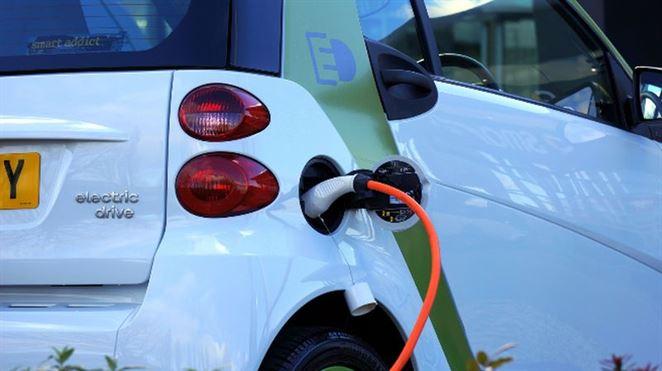 Unikátna batéria IBM môže nahradiť drahé lítiové batérie v elektromobiloch