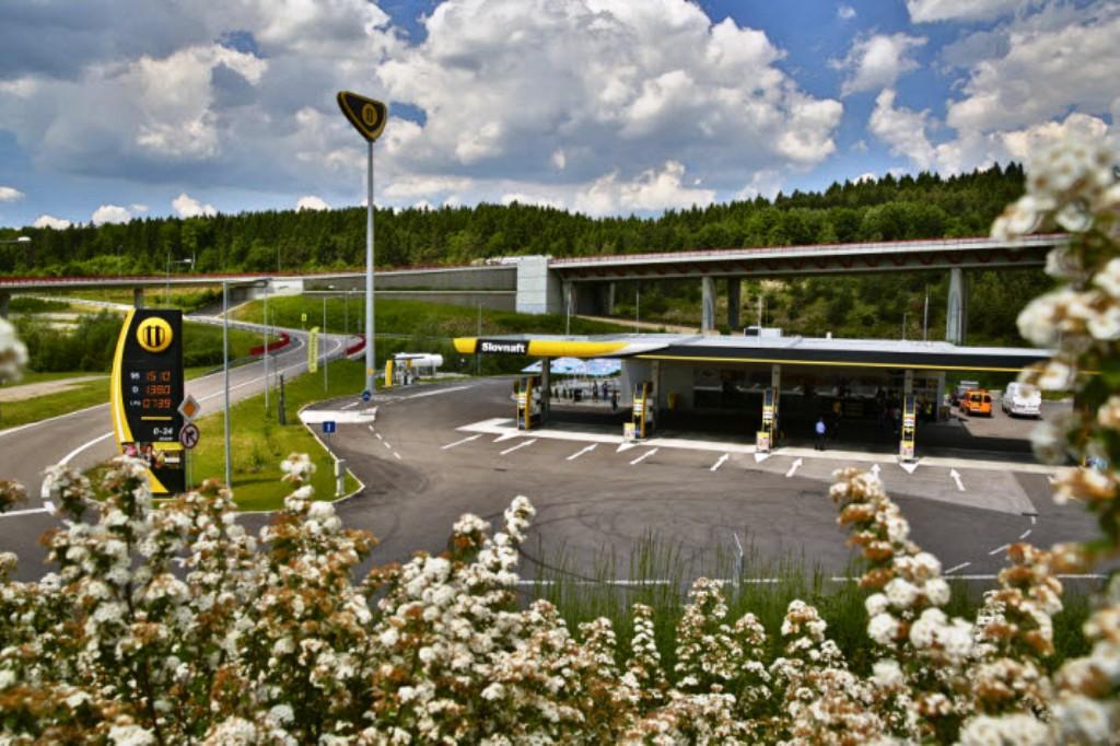 Čerpacie stanice Lukoil na Slovensku končia, všetky ich preberie jedna firma