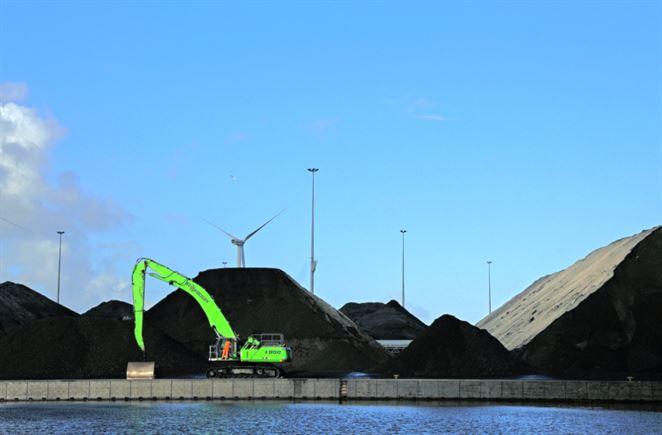 Ťažba uhlia v Poľsku sa prepadla na rekordné minimum