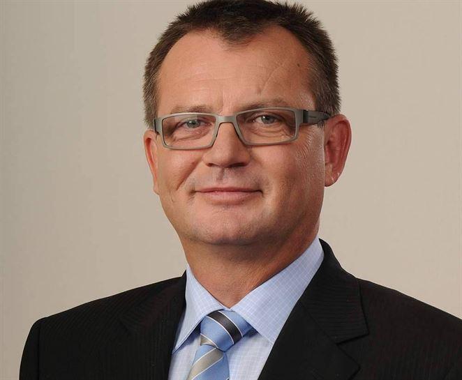 Šéfom českých teplárov sa stal Tomáš Drápela. Mirek Topolánek skončil