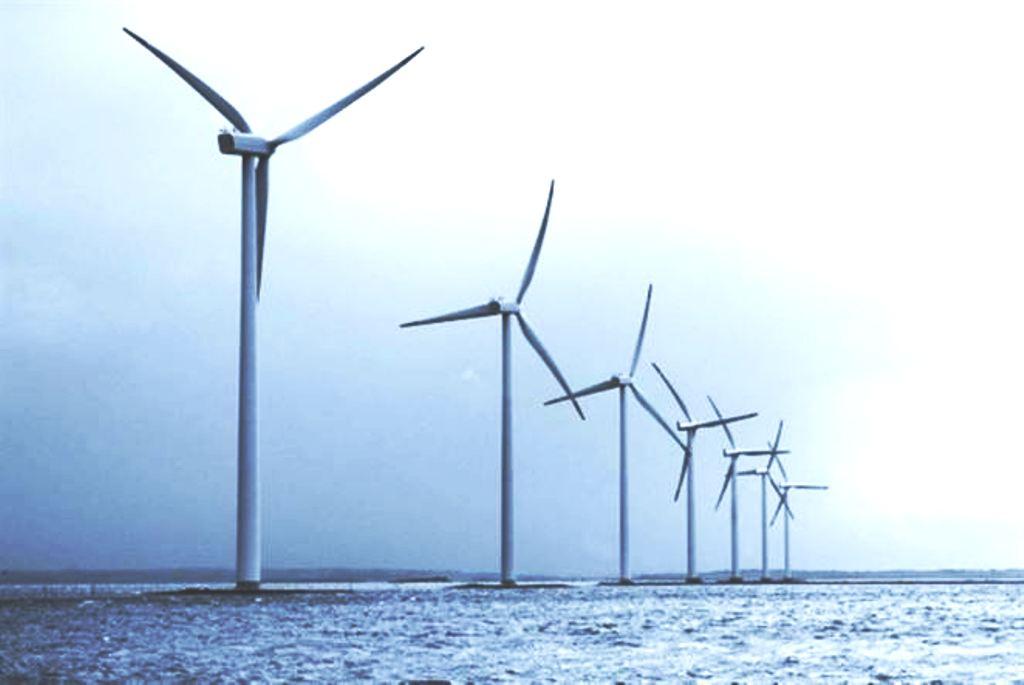 Komisia chce 25-krát viac energie z offshore parkov. Investície odhaduje na stovky miliárd