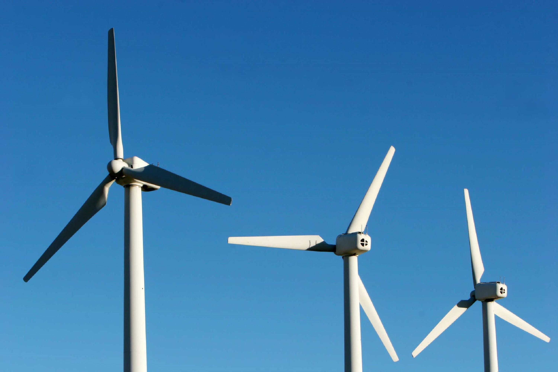 Námraza znižuje výkon veterných turbín o 80 percent, zistili vedci