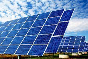 Investičný mág Warren Buffett vsadil na slnko. Stavia najväčší solárny park na svete