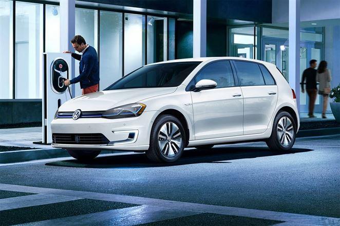 Cena elektromobilu je veľmi dôležitá pre 85 % bežných spotrebiteľov