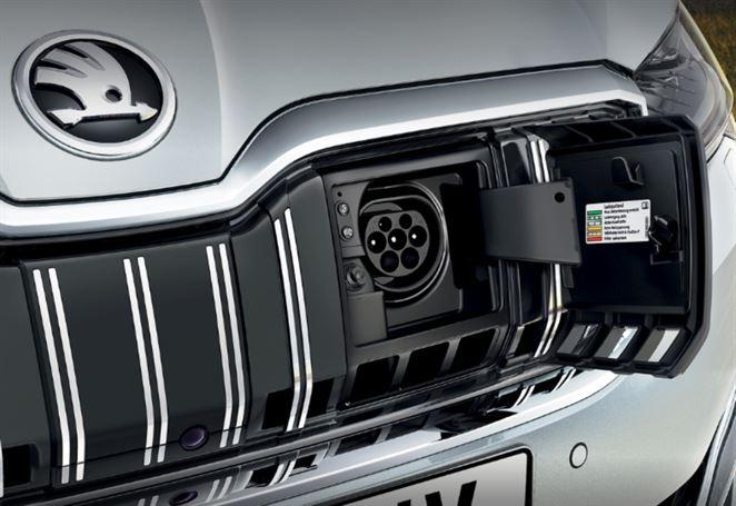 Škoda uviedla prvý elektromobil a plug-in hybrid, známa je ich cena aj všetky parametre