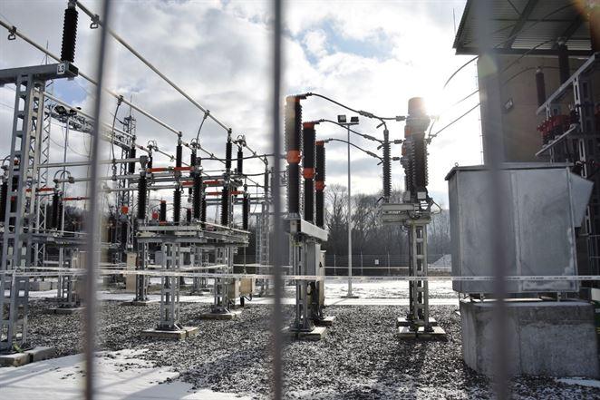 Nemecku hrozia výpadky elektriny, ak odstaví uhlie a jadro, upozorňuje šéf Uniperu