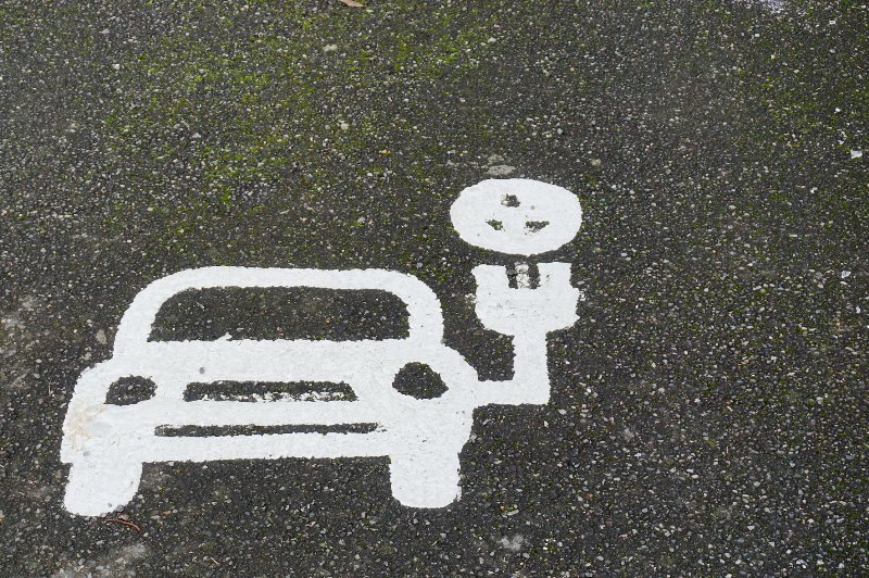 Asociácia ZETA s Teslou či Uberom chce, aby sa od roku 2030 predávali už iba elektromobily