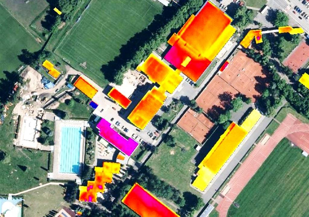 Úniky tepla odhalili letecké snímky. České mesto analyzuje termomapy