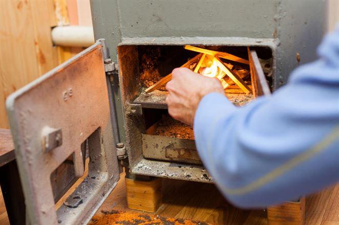 Vykurovanie kotlami na biomasu nie je bez rizík. Ktoré to sú?