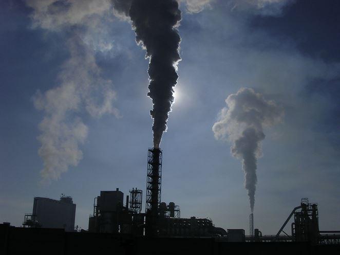Množstvo skleníkových plynov v atmosfére dosiahlo nový rekord, tvrdí WMO
