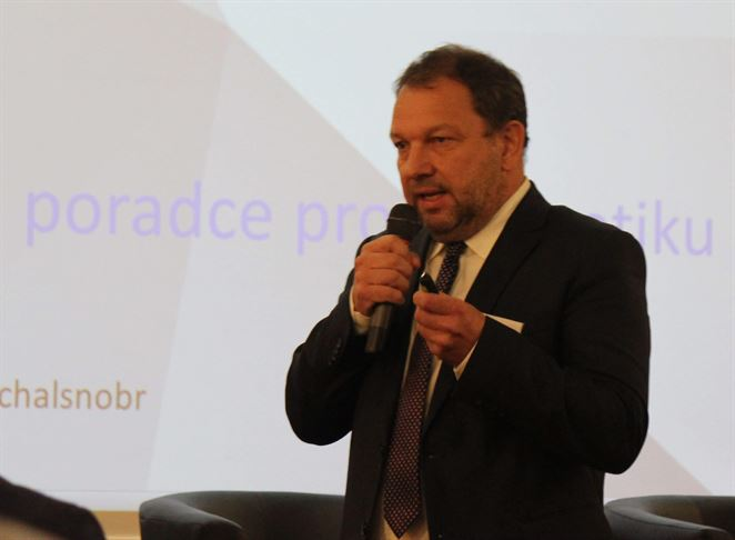 M. Šnobr: Mochovce sú dôvodom, prečo sa nové zdroje nepripájajú do siete