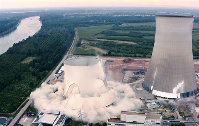Nemci sa zbavujú jadra: Pozrite si odpálenie chladiacich veží JE Philippsburg