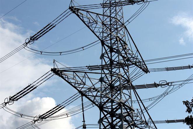Cena elektriny na burze stále rastie
