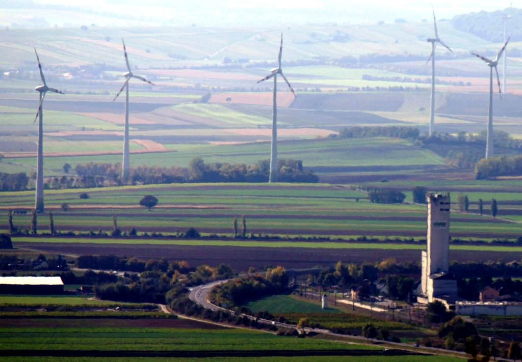 Veterné elektrárne môžu vyrásť aj na juhu Slovenska, úrady posudzujú dva zámery
