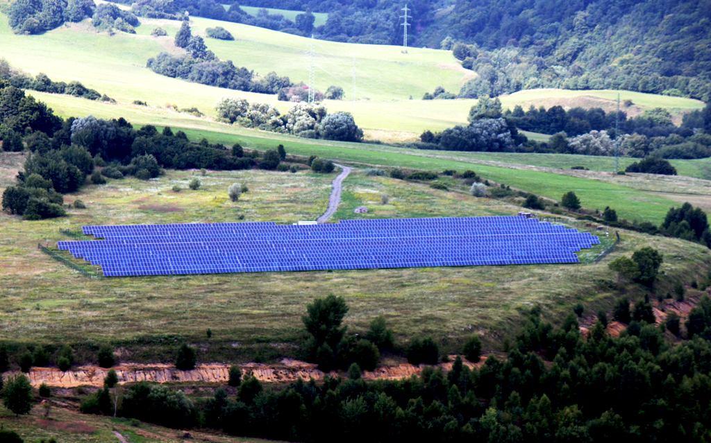 Podiel obnoviteľných zdrojov vo výrobe elektriny stagnuje, medziročne klesol, hlási ÚRSO
