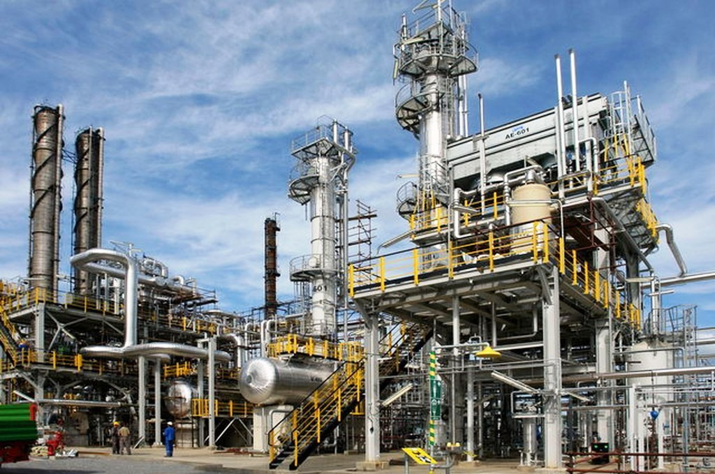 Matka Slovnaftu zvýšila zisk, pomohla jej rekordne vysoká petrochemická marža