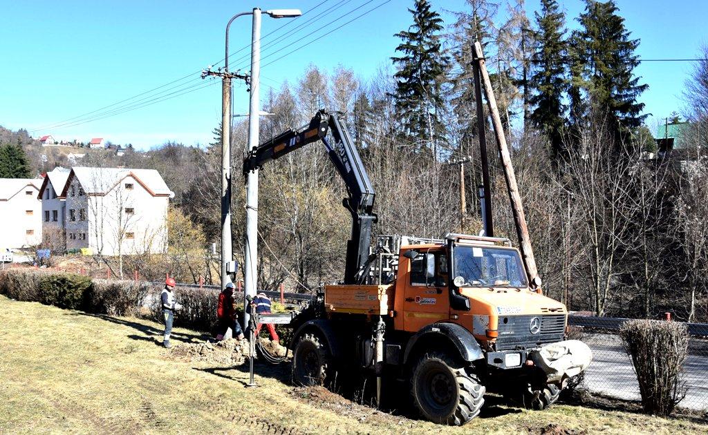 V Štiavnických Baniach obnovili trafostanicu aj elektrické prípojky, výpadkov má ubudnúť