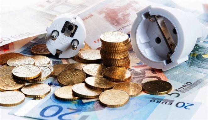 F. Stručka: Domácnosti aj malí podnikatelia doplácajú na politiku ÚRSO