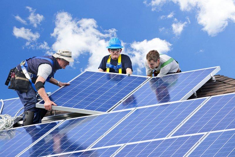 Predajcovia solárnych panelov
